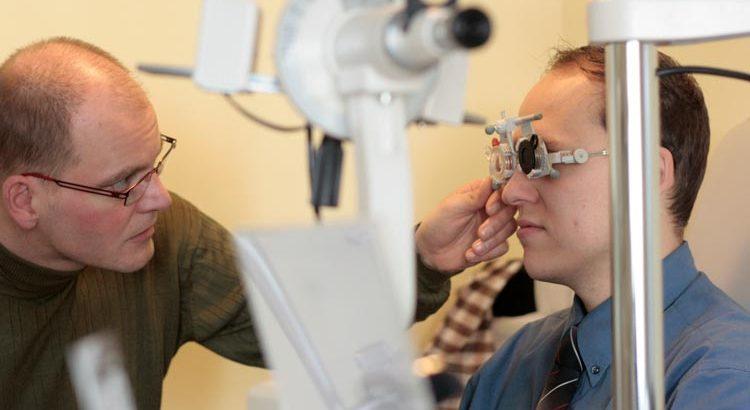 Refraktion Sehtest Augenoptiker Halberstadt